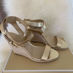 NIB MICHAEL KORS Kaylee Wedge